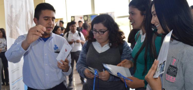 Estudiantes de UPNECH aprenden medios alternativos para la solución de conflictos escolares