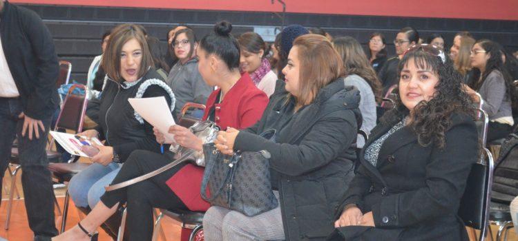 PRIMER ENCUENTRO DE PRÁCTICAS PROFESIONALES DE ALUMNOS DE UPNECH CAMPUS JUÁREZ  EN CENTRO CIVICO